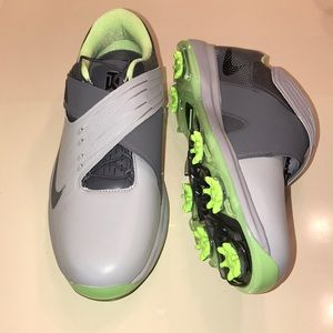 Nike Shoes - TW '17 Tiger Woods Nike Golf Shoes Size 9